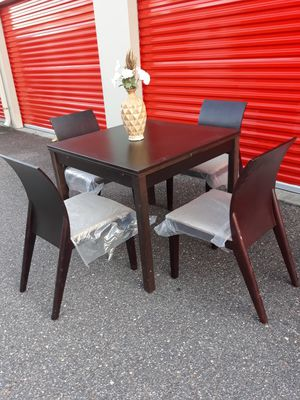 Contemporary, 3 Size Adjustable, Danish Designed. Dining/Kitchen Table & Chair Set for Sale in Hampton, VA