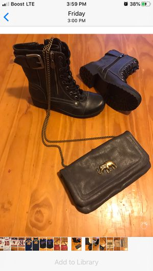 Guess boots and cross body bag for Sale in Phillipsburg, NJ