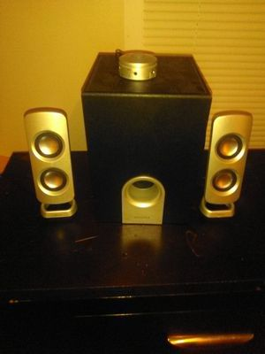 Insignia LAPTOP BASS SET for Sale in Muskegon, MI