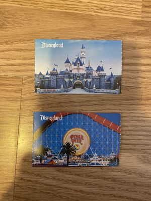 2x Disneyland Tickets 1 Day Park Hopper 03/2022 for Sale in Los Angeles, CA