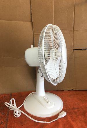 Oscillating Fan 3-speed. for Sale in Arlington, TX