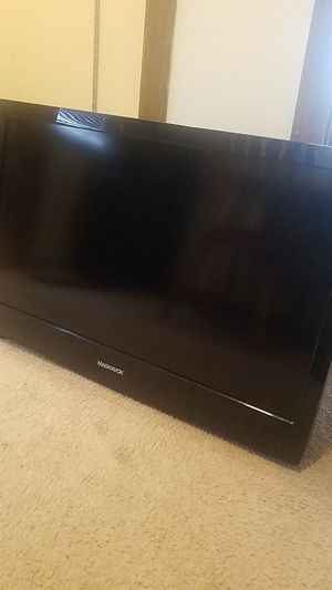 32 inch magnavox tv flat screen for Sale in McHenry, IL