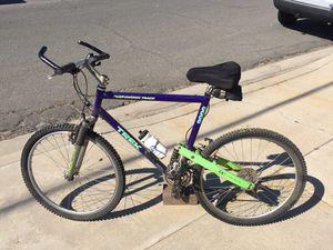 Trek 9000 mountain bike for Sale in San Diego, CA