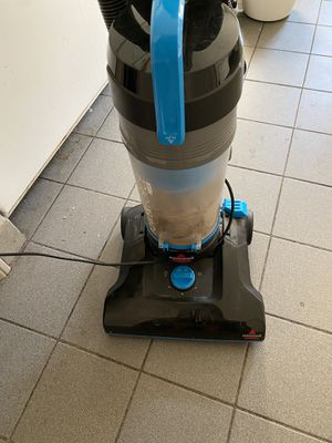 Bissell Vacuum (new filter included) for Sale in Boston, MA