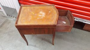 Antique end table for Sale in Federal Way, WA