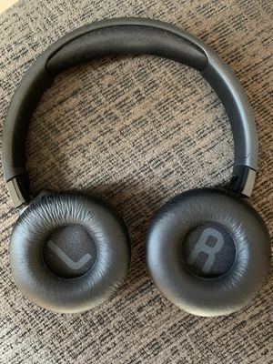 JBL wireless headphones Bluetooth noise cancelling for Sale in Palm Springs, FL