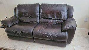 FOR FREE! Only the weekend, Love Seat. for Sale in Sebring, FL