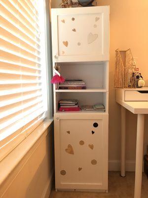 Little Girls Book Shelf for Sale in Chantilly, VA