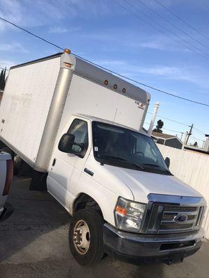 2009 ford e450 box truck 14ft for Sale in Bellflower, CA