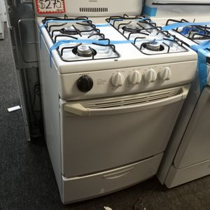 HOT POINT GAS STOVE 24IN WORKING PERFECT W/4 MONTHS WARRANTY for Sale in Baltimore, MD