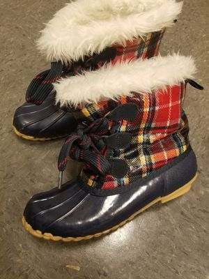 Rain snow boots size 8 for Sale in Lanham, MD