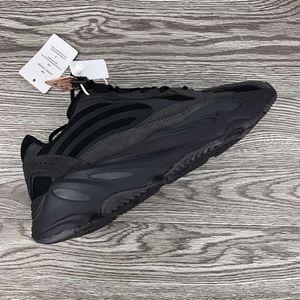 Adidas Yeezy Boost 700 V2 Vanta for Sale in Washington, DC