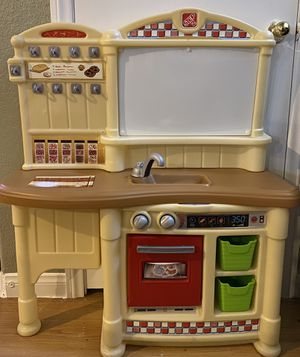 Step 2 play kitchen (READ DESCRIPTION!) for Sale in North Las Vegas, NV
