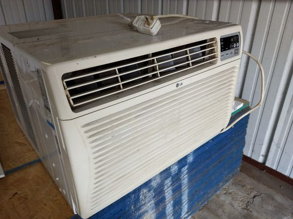 AC unit works good just cleaning out the garage