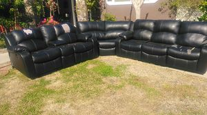 Free sofa recliners for Sale in Selma, CA
