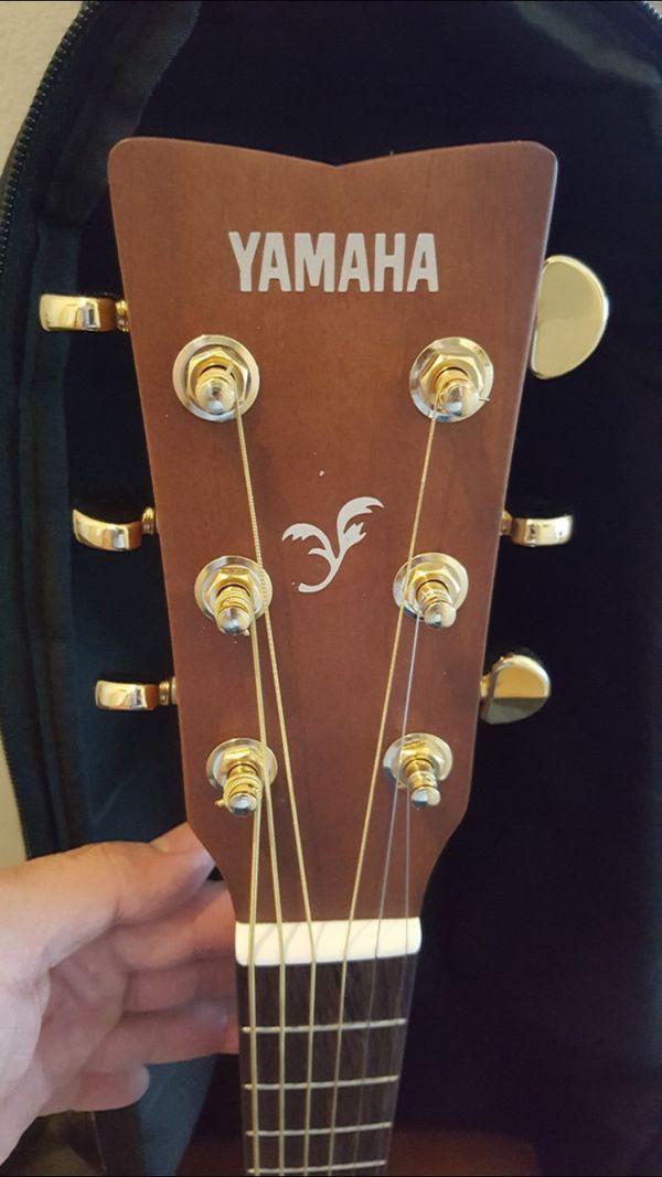 Yamaha f335 w/soft case