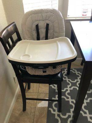 Graco swive feeding seat 3 in 1 booster! for Sale in Castro Valley, CA