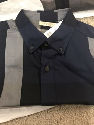 Man Burberry shirt for Sale in Henderson, CO