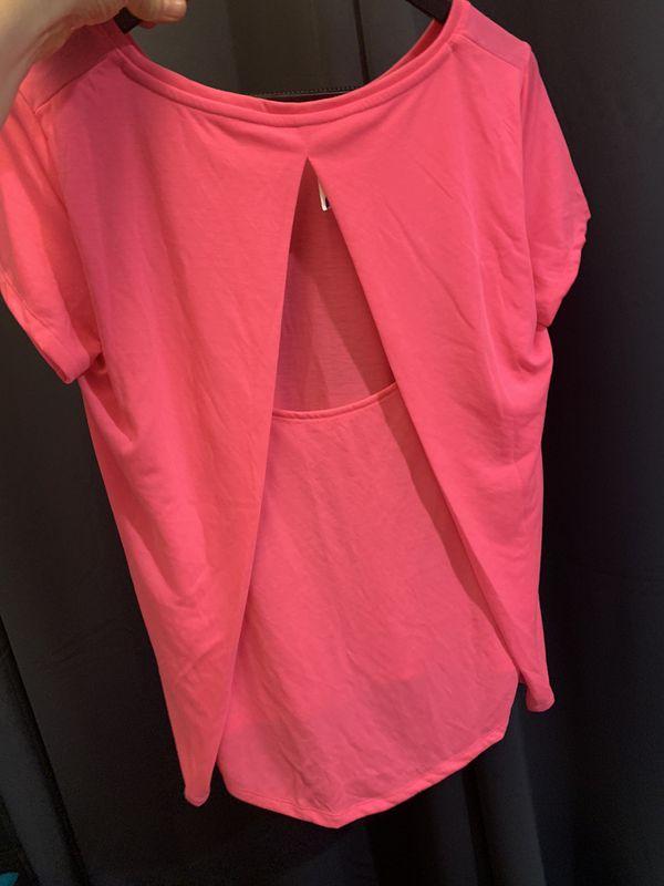Under Armour Heat Gear pink shirt S/M