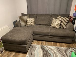 Adjustable chase sofa with Pillows for Sale in Glendale, AZ