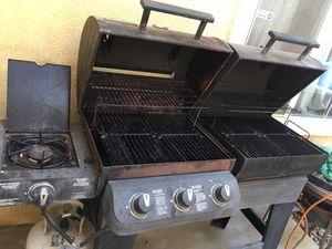 Barbecue smoker grill for Sale in Moreno Valley, CA