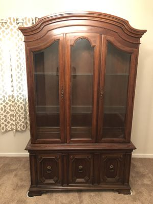 Antique armoire (Thomasville, 1971) for Sale in Tampa, FL