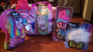 BRAND NEW TROLLS TWIN SET WITH ACCESSORIES...CLEANING OUT SPARE ROMPER ROOM...SELLING IN A BUNDLE...PU OFF VAL VISTA AND WARNER.... for Sale in Gilbert, AZ