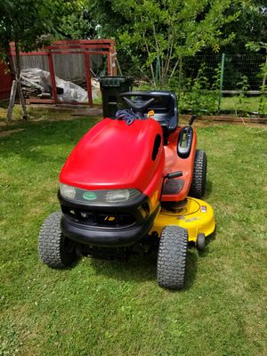Riding Lawn Tractor Scott's L1746 for Sale in Kent, WA