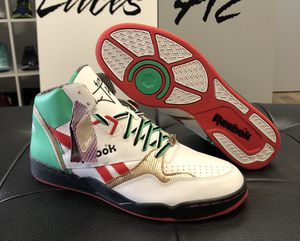 """DS Reebok """"Sir Jam Mid's"""" Size: 11.5 (No Trades) for Sale in Pittsburgh, PA"""