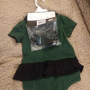 NFL New York Jets 3 Piece Creeper Set - Reverse Bib + Booties. Size 18 Months. for Sale in Red Hook, NY