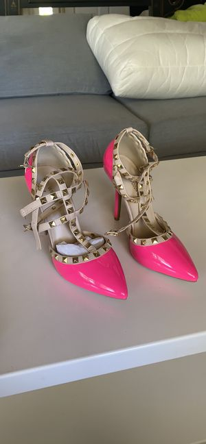 Hot pink heels w studded straps size 6.5 for Sale in Monterey Park, CA