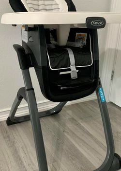 2021 GRACO DUO DINNER 6-1 High Chair for Sale in Hurst,  TX
