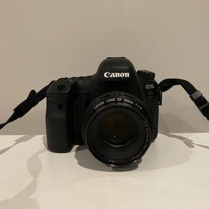 Canon 6D Mark II - GREAT CONDITION! for Sale in Walpole, MA