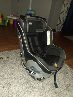 Chicco nextfit car seat for Sale in Chicago, IL