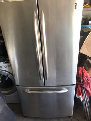 General electric 3 door refrigerator for Sale in Kissimmee, FL