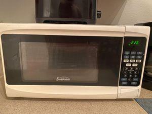 Sunbean microwave for Sale in Poinciana, FL