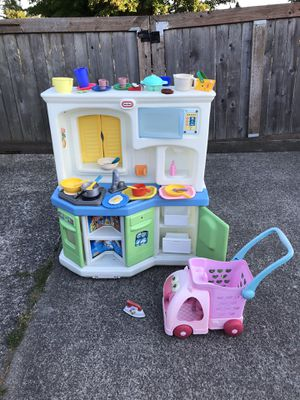 LITTLE TIKES LARGE SIZE KITCHEN WITH SHOPPING 🛒 DISHES ALL $80 for Sale in Tacoma, WA