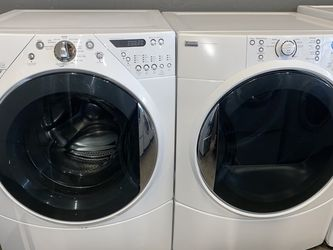 WHIRLPOOL XL CAPACITY STACKABLE WASHER DRYER ELECTRIC SET for Sale in Vancouver,  WA