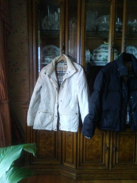 AUTHENTIC BURBERRY GOOSE DOWN JACKET SIZE MED