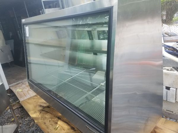 True Display Case, Refrigerated Cooler, Stainless Steel
