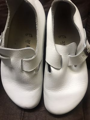 Birkenstock London Sz 37 L6. White Leather  Clog Mule Shoes for Sale in Paramount, CA