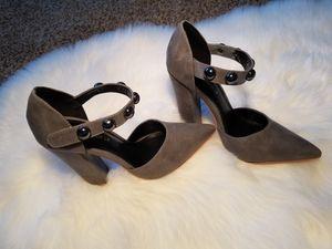 Shoe republic LA grey heels size 7 for Sale in Nicholasville, KY