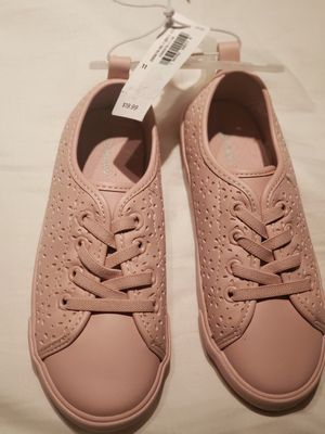 NWT OLD NAVY GIRLS SIZE 11 for Sale in Chicago, IL