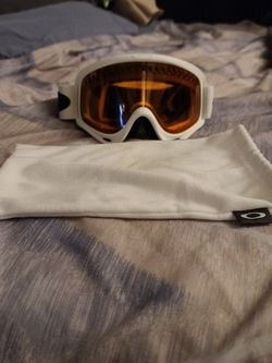 Oakley Snowboarding Goggles for Sale in Lakeside,  CA