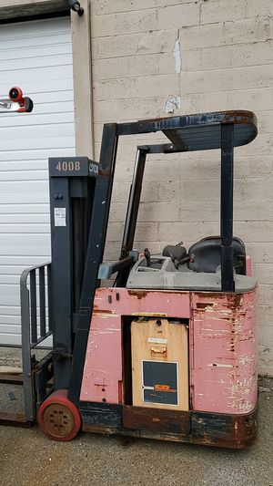 RC 3000 electric forklift, 36 volt for Sale in Renton, WA