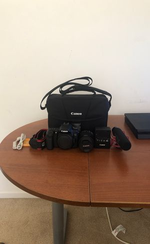 Canon 70d for Sale in Chester, PA