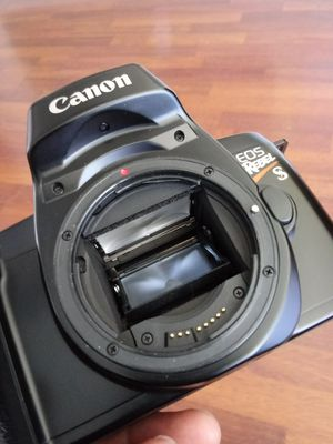 Canon EOS Rebel S Vintage 35mm TESTED for Sale in Chino, CA
