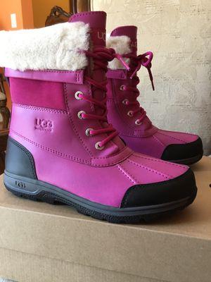 UGG K BUTTE II CWR Girls Women Boots Size 6 USA 38 EUR 5 UK Fusia Black 1098890K for Sale in Lanham, MD