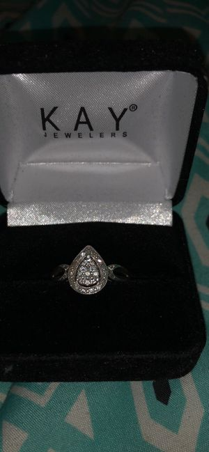 Size 7 engagement ring. Kays for Sale in Peoria, IL