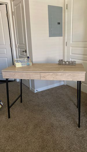 Desk table for Sale in Henderson, NV